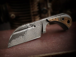 Custom Neck Knife 389